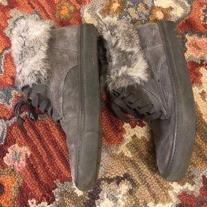 Vince suede/fur grey chukka boots